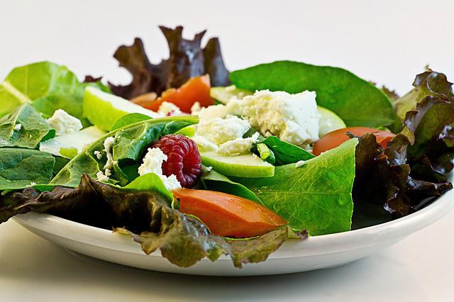 Ostatni posiłek – co jeść na kolację, a czego unikać? Obalamy mity o ostatnim posiłku w ciągu dnia -portal medyczny